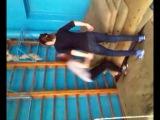 прыжки на маты, физра))))